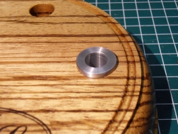 Bearing hole for the bobbin rest