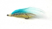 Blue streamer - I was slowly getting th idea, and getting more materials. This is blue Arctic fox, mallard and yellow hackle. Apart from the head, it\'s not a bad fly at all