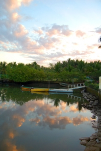 The lagoon - The lagoon on the inland side of the island where Sailfish Bay Lodge is located