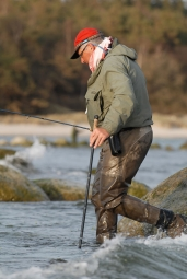 Te staff - Even in shallow and seemingly calm water the wading staff can save you from twisting an ankle