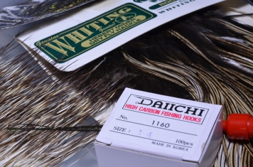 Hackle and hooks - Whiting saddle hackle i used because this hackle has a thin and flexible, yet strong stem, which is a must-have for hackling around a small diameter parachute post. The new Daiichi 1160 Klinkhammer hooks are a great choice for this emerger.