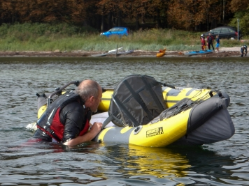 Self rescue - Since the inflatable kayak is very light, it\'s not possible for me to pull myself into it without any stabilizing aides - like the paddle with a paddle float attached.