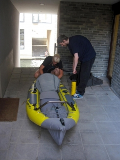 Infalting - The kayak is easy to inflate and both wide and very stable.