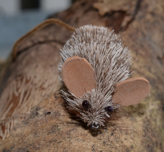 Small black eyes - This deer hair mouse with whiskers and black eyes is a very lifelike imitation of a real mouse