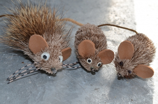 A selection - Different styles of deer hair mice