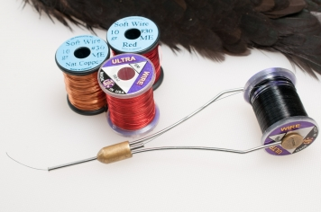 Using a cheap bobbin holder for wire - Copper wire can be much easier to handle when mounted in a bobbin holder, and that\'s the perfect job for those cheap Indian and Chinese ones you might have laying around