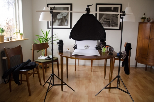 Living room studio - The whole setup is done on the dining table