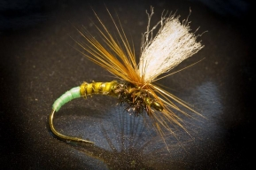 Klinkhåmer style - Close-up of a dry fly