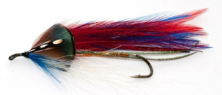 Tomahawk - A Carrie Stevens NE streamer that actually uses the dark green golden pheasant neck feather for cheeks