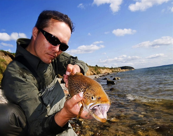 A trophy trout - Richard Maree with a grand Danish autumn trout